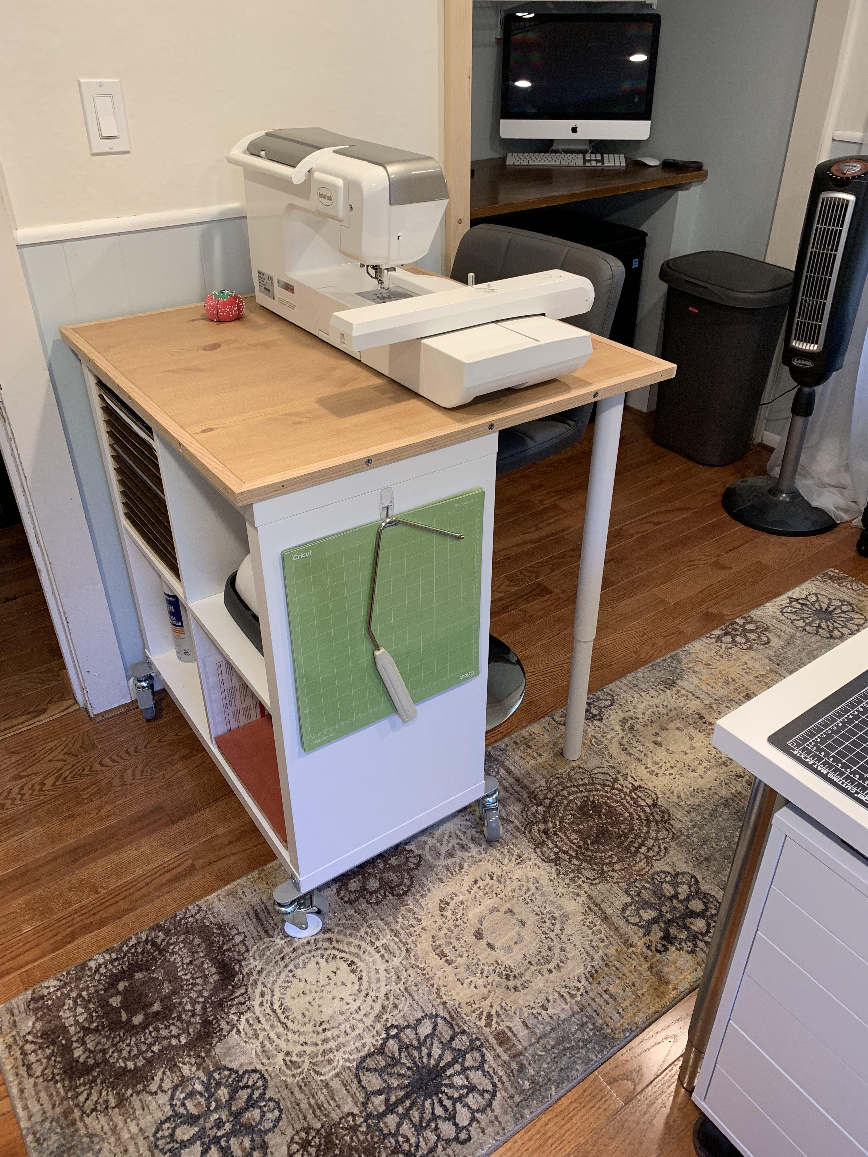 IKEA Kallax hack for small spaces Nähtisch, Zimmer