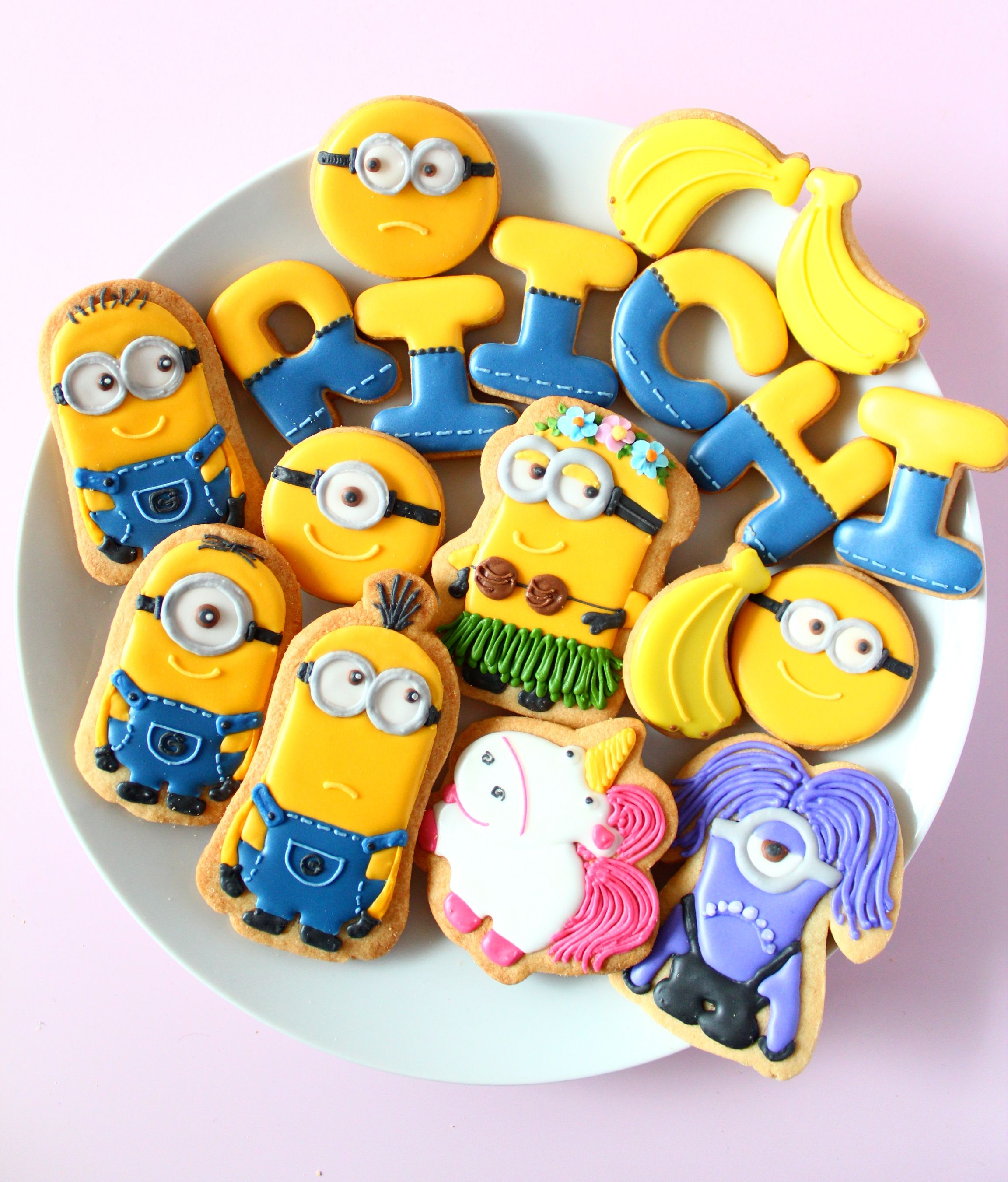 Minion Icing Cookies