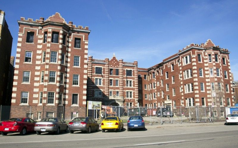 Built In 1905 The Forest Arms Apartments Detroit Became Largest Apartment Building From Early Automobile Days Cass Corner