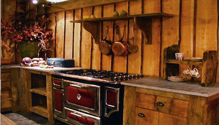 Oude landelijke keuken in traditionele stijl keukens pinterest keukens keuken en cottages - Oude keuken decoratie ...