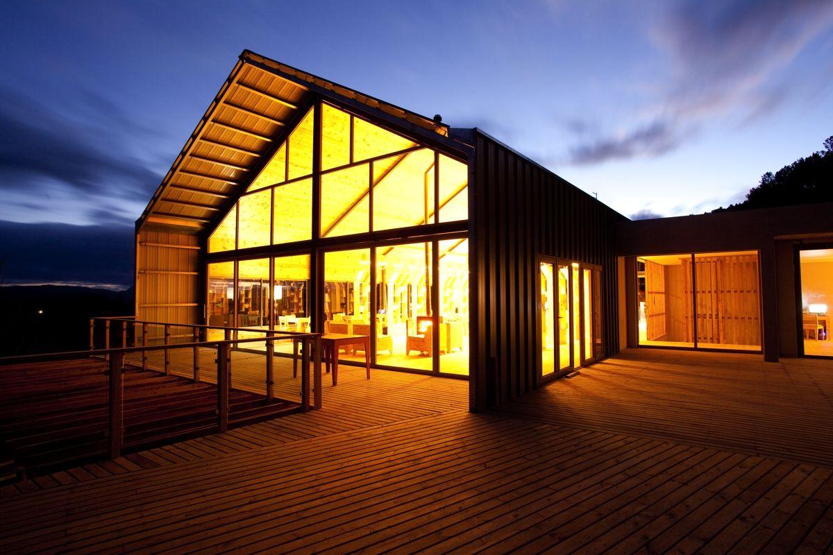 Reception barn http://oldmacdaddy.co.za/wp-content/uploads/2014/02/Barn-03.jpg