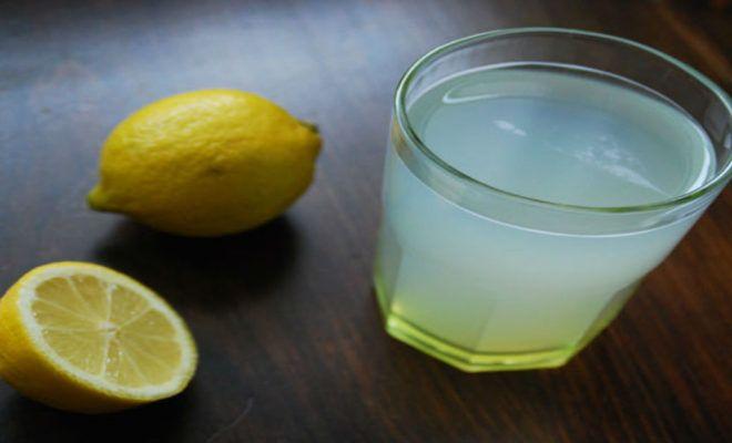 CONSEILS....Pourquoi boire de l'eau chaude et du citron le