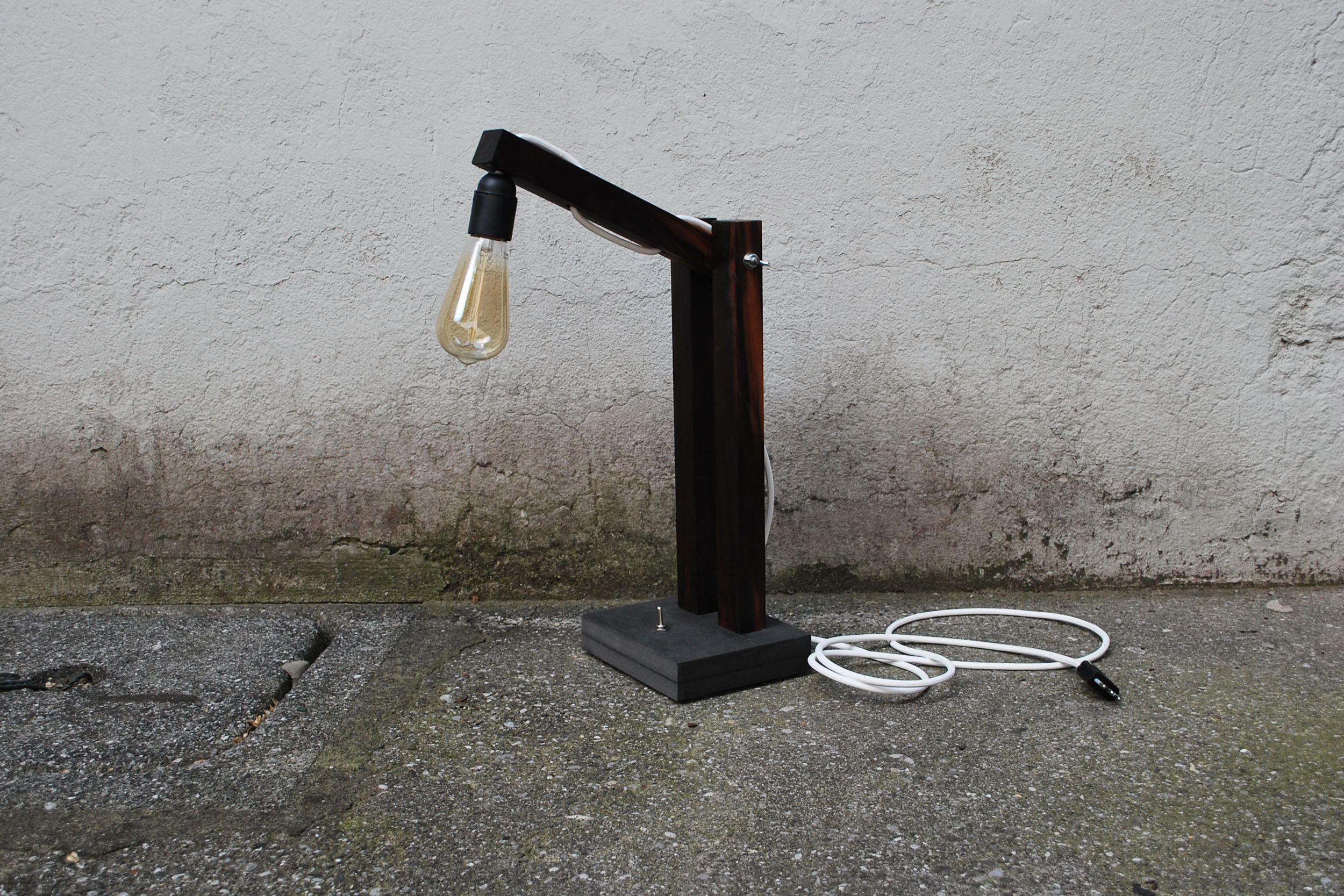 Lampada Realizzata In Legno Proveniente Dallecuadorparticolarmente