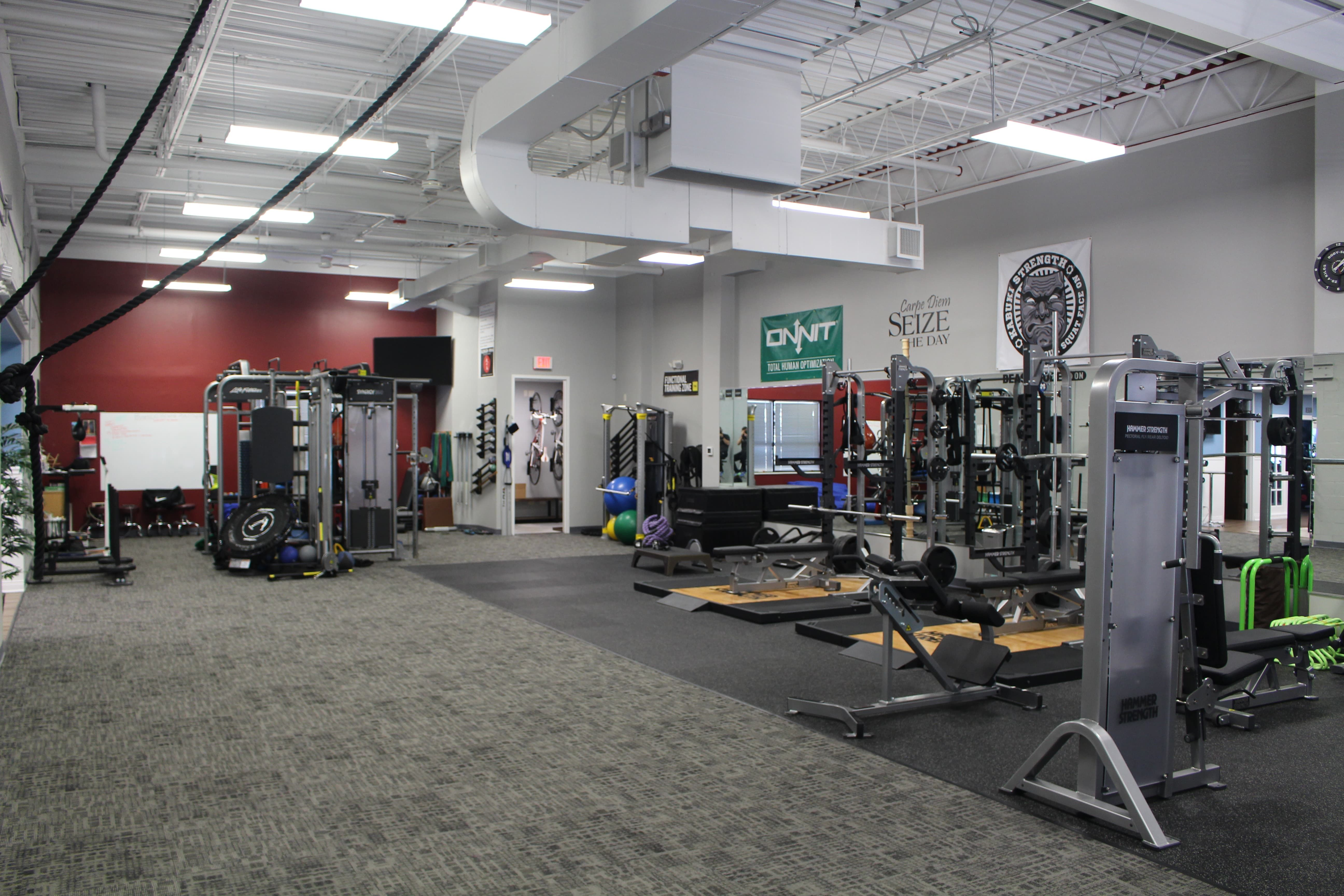 Running Iron Performance Arlington Heights Il Click To Rent By The Hour Fitspace4fitpros Getgymspace Findfitnessspac Treatment Rooms Pro Fitness Rent