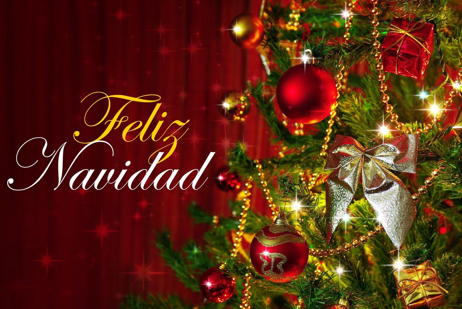 Arbol O Pinito De Navidad Con Muchos Adornos Feliz Navidad Mensajes Feliz Navidad Felicitaciones Navidad