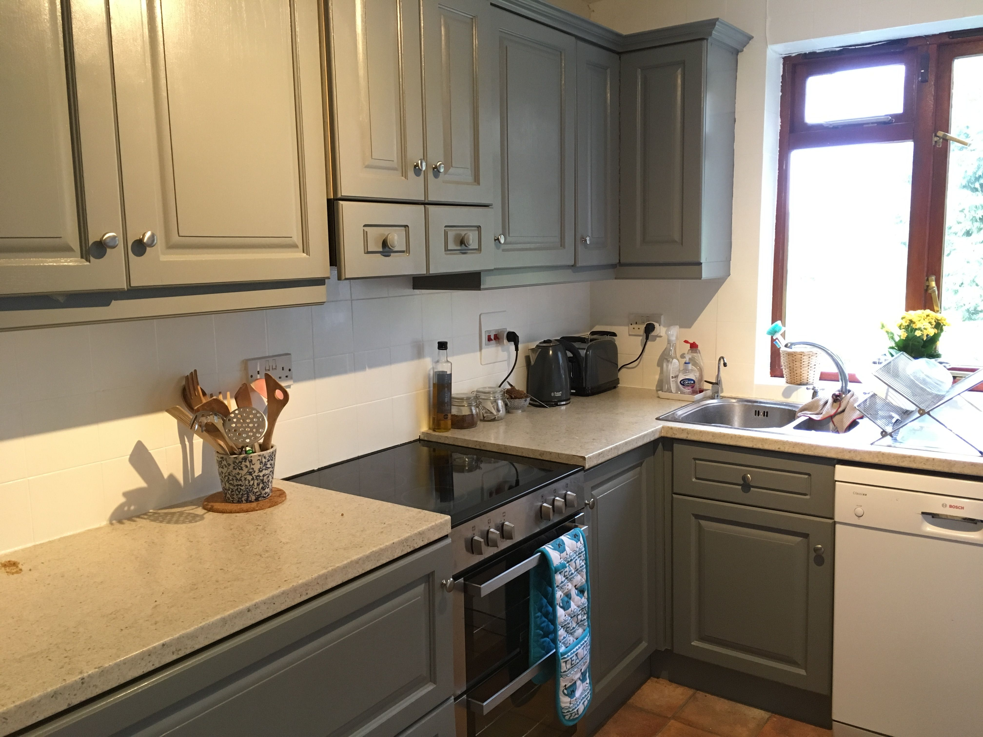 newly painted grey kitchen using white ronseal tile. Black Bedroom Furniture Sets. Home Design Ideas