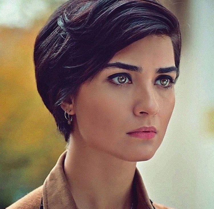 Pin By Hiwal Ali On Tuba Buyukustun Short Hair Styles Hair