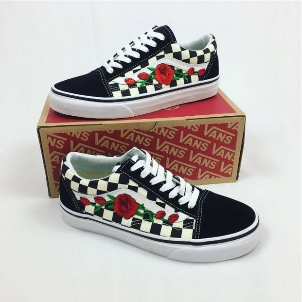 Vans 'n Roses Checkers Limited Edition