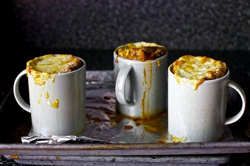 tomato soup in a mug in the oven+cheese. done.