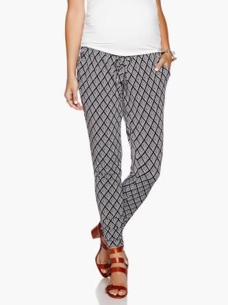 Knit Crepe Maternity Trouser by #ThymeMaternity :: #MaternityFashion #MaternityPant #MaternityStyle