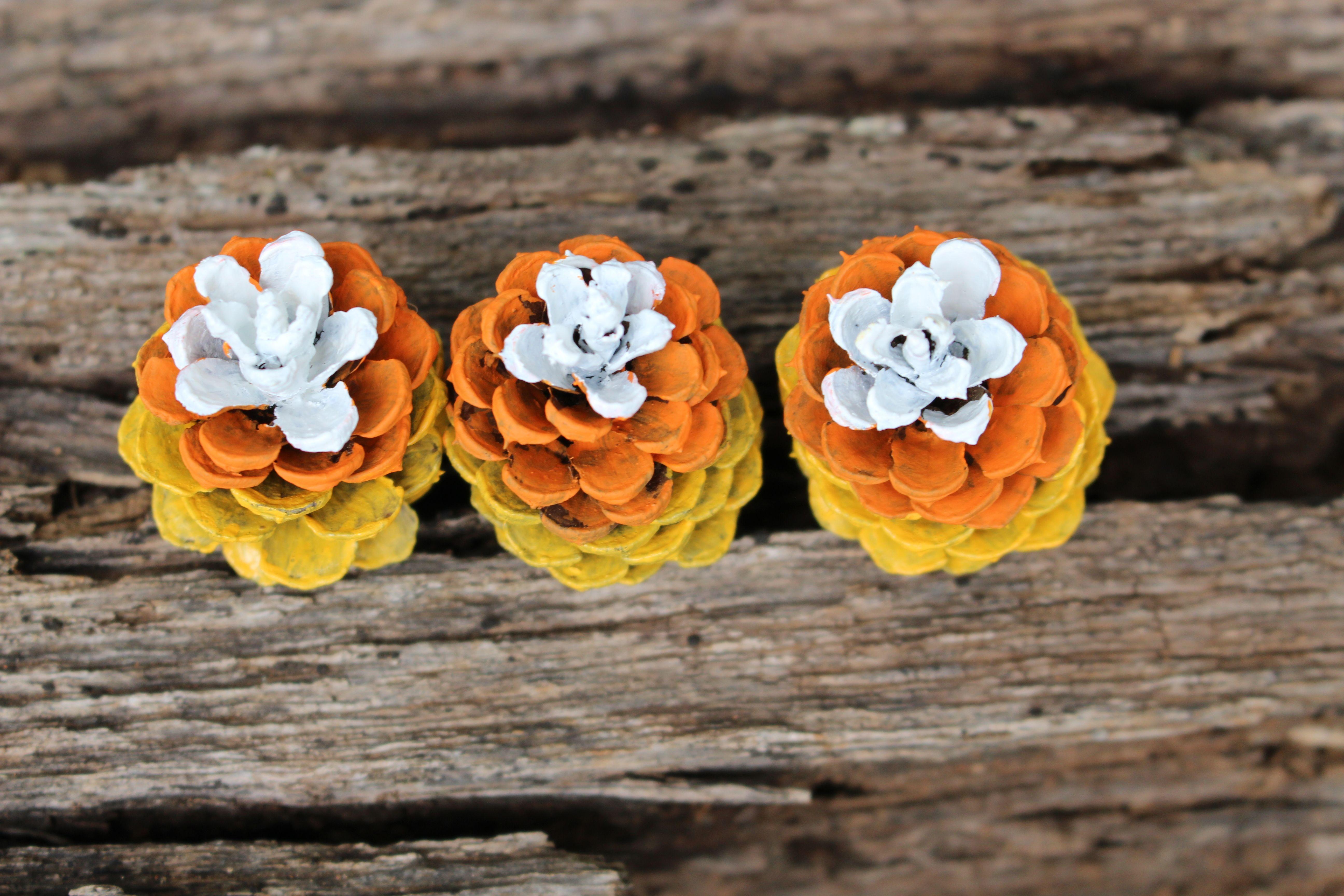 Pinecones Candy Corn DIY