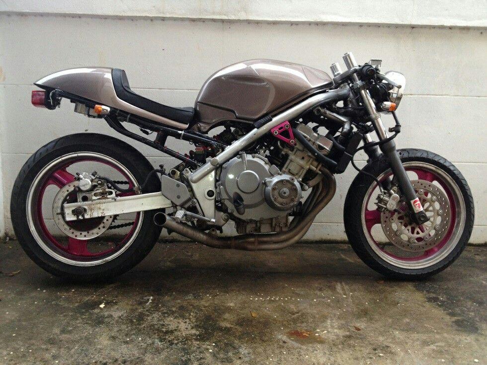 Japaneseitaliandutch Cb1 Honda Cb1 Forum Bikes