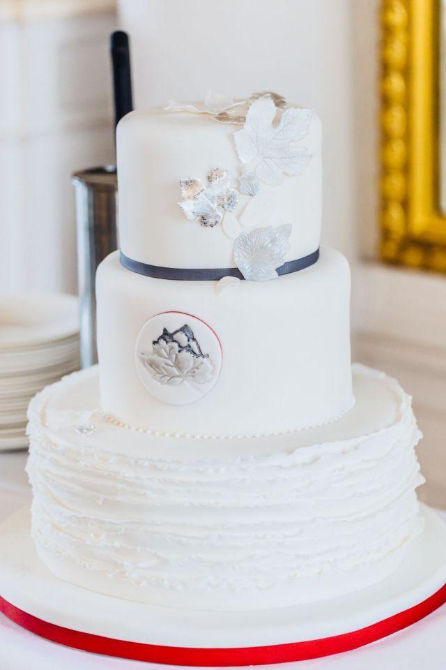 Elegante Hochzeitstorte 3 Stockig Suess Und Salzig Schloss Hohenheim