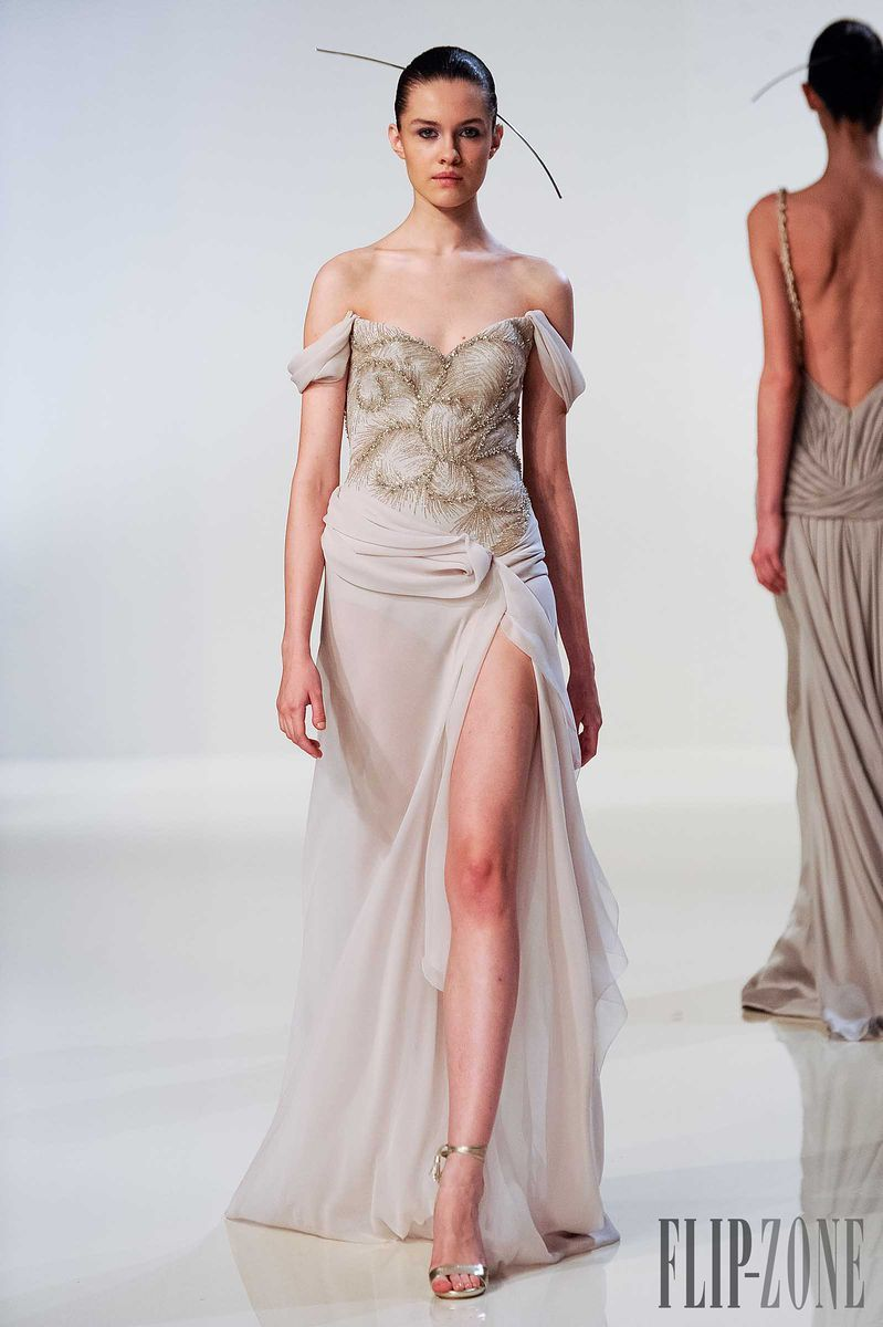 Dilek Hanif - Couture - Spring-summer 2014 - http://www.flip-zone.net/fashion/couture-1/independant-designers/dilek-hanif-4450 - ©PixelFormula