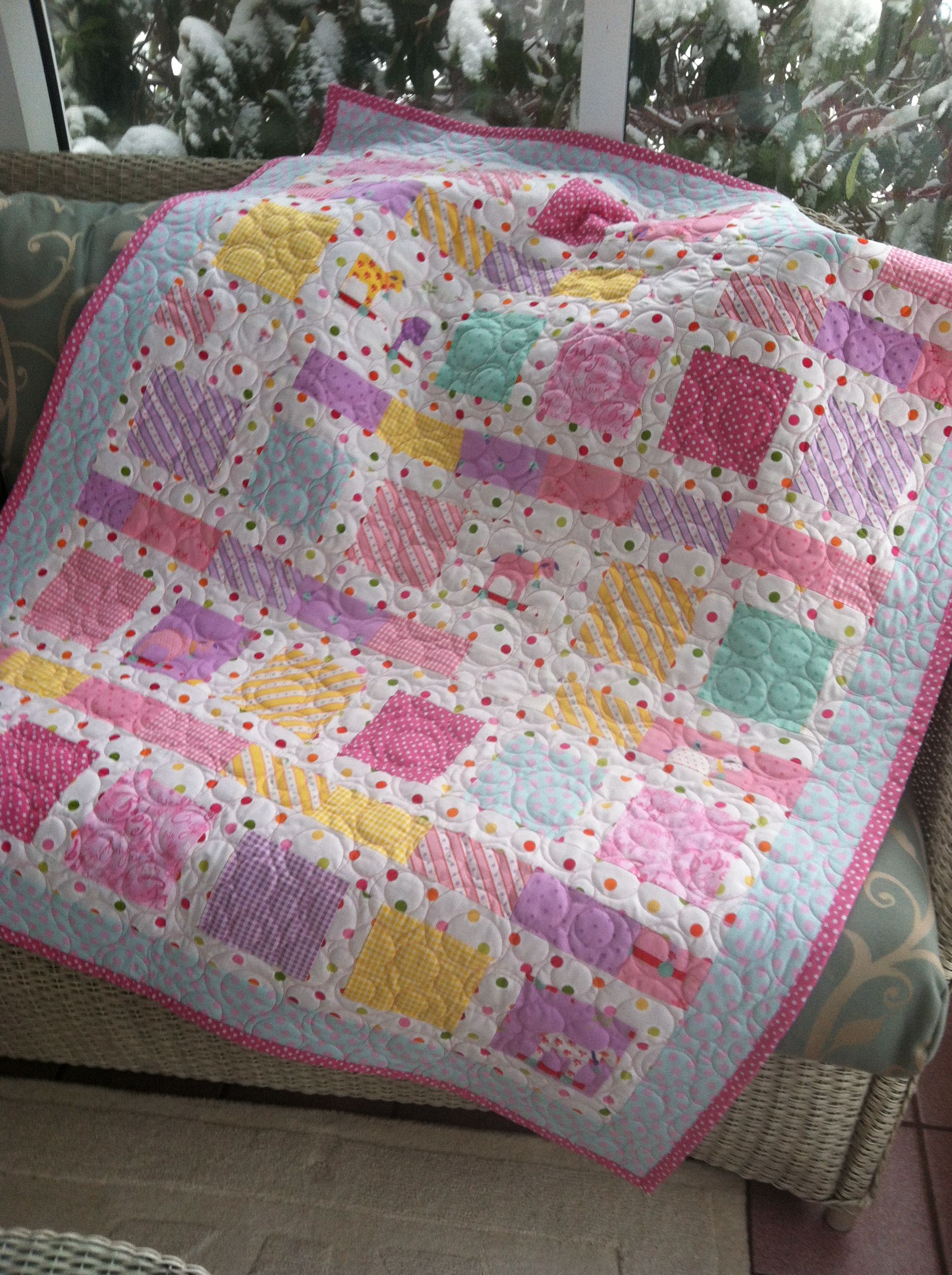 Quilt Patterns For A Girl : Baby girl quilt! Baby Quilts Pinterest