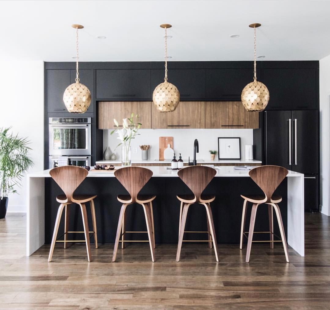 Are you afraid of using black in your kitchen? Don't be! Look at how beautiful my WKC (Wednesday Kitchen Crush) designed by @leclairdecor… #kitchencrushes