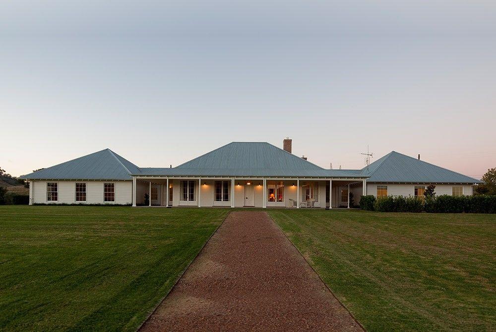 Scone Farmhouse, traditional Australian country farm house, Hunter ...