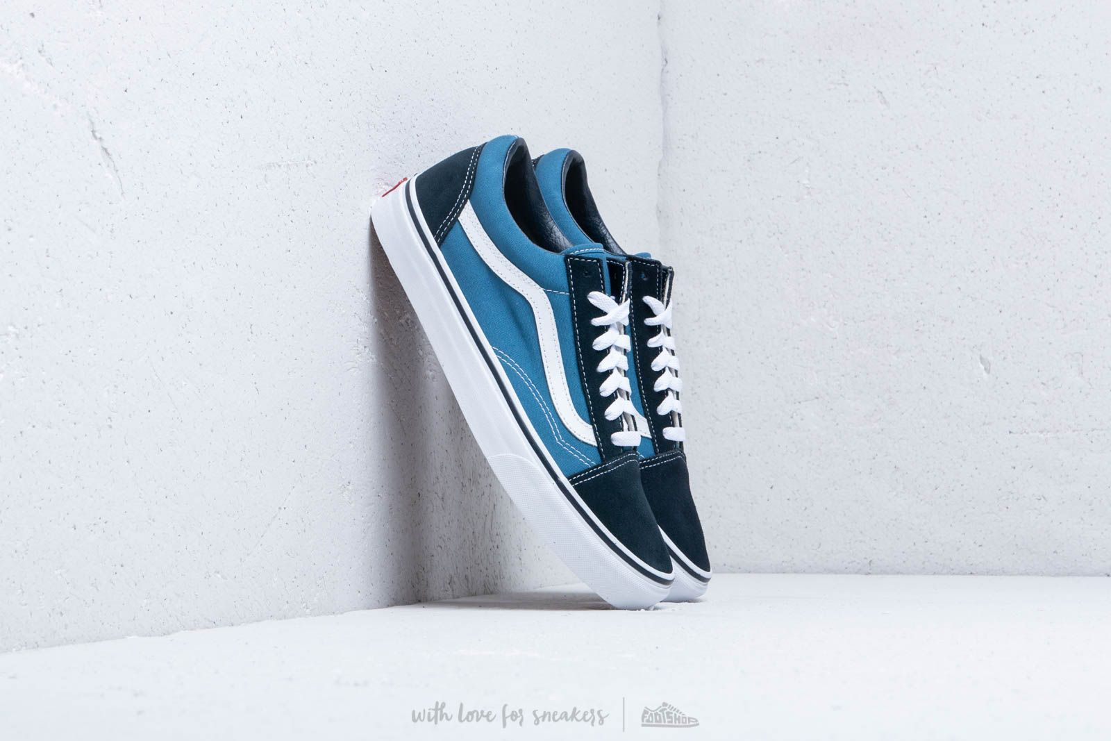 Vans Old Skool Navy | Vans old skool, Chaussures simples et ...