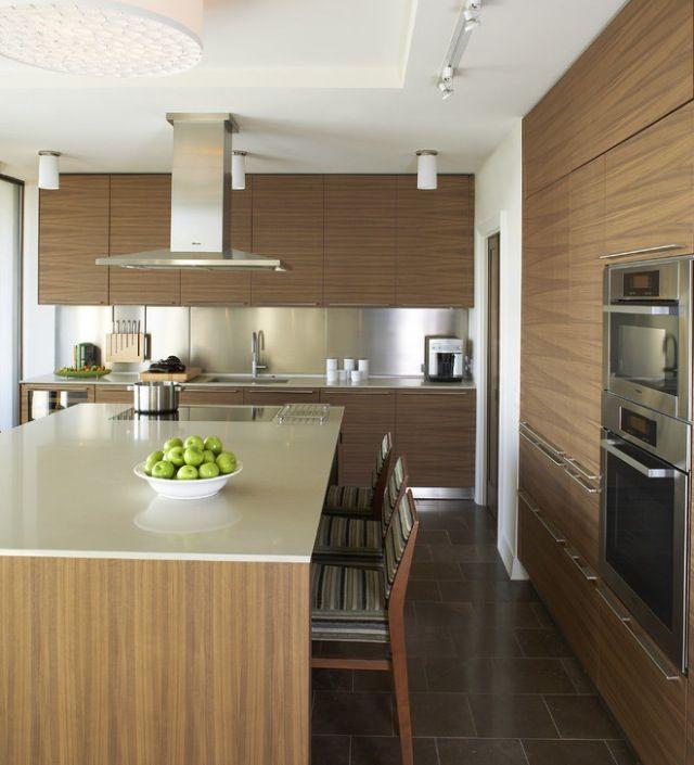 Cocina con isla y campana decorativa cocinas - Cocina con campana decorativa ...