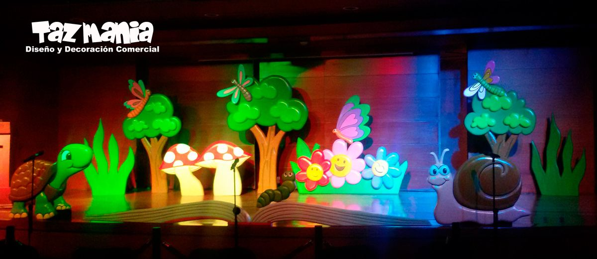 Figuras y elementos decorativos decoración escenografía graduacion Jardín infantil Tim garden. Diseño realizado y tallado en icopor de alta densidad, en proceso de cubrimiento semiduro y acabado acrílico. www.tazmaniadisenoydecoracion.com