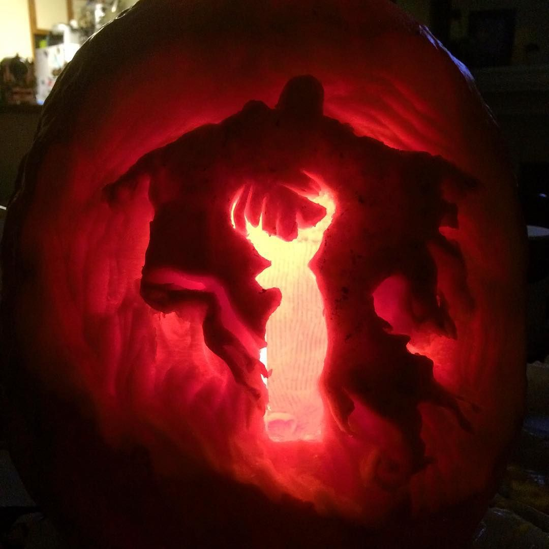 WOW!! wish i could carve a pumpkin like this! Harry Potter Halloween ...