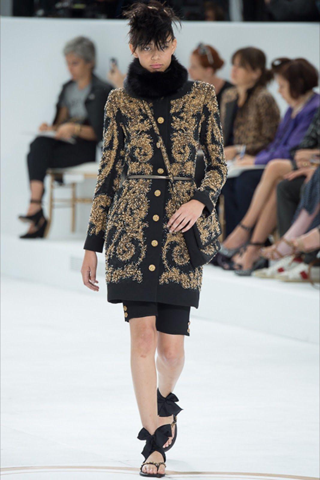 6bc4e2727b478a Chanel Haute Couture Fall Winter 2014-2015 Collection Paris Fashion Week