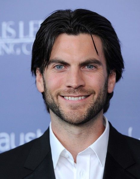 Wes Bentley Photos Photos Miley Cyrus And Liam Hemsworth At The Australians In Film 8th Breakthrough Awards Black Hair Blue Eyes Actors With Black Hair Blue Eyed Men