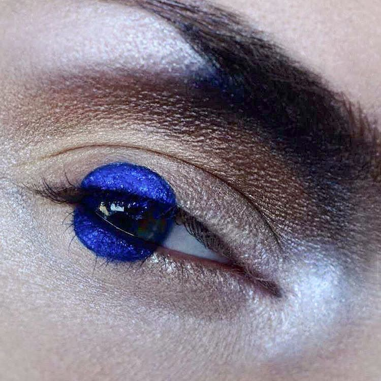 A Blue Dot Aesthetic Makeup Makeup Art Creative Makeup