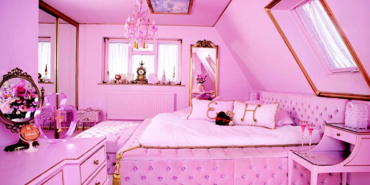 This All-Pink Airbnb is a Real Life Barbie DreamHouse ...