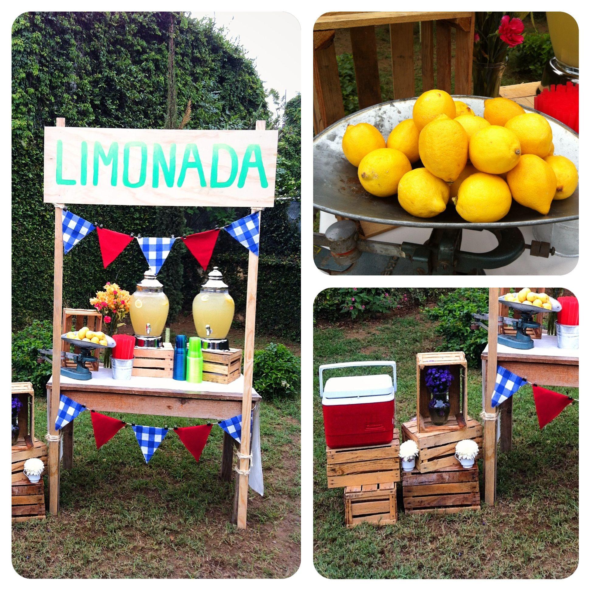 Lemonade Stand / Puesto de Limonada Puesto de limonada