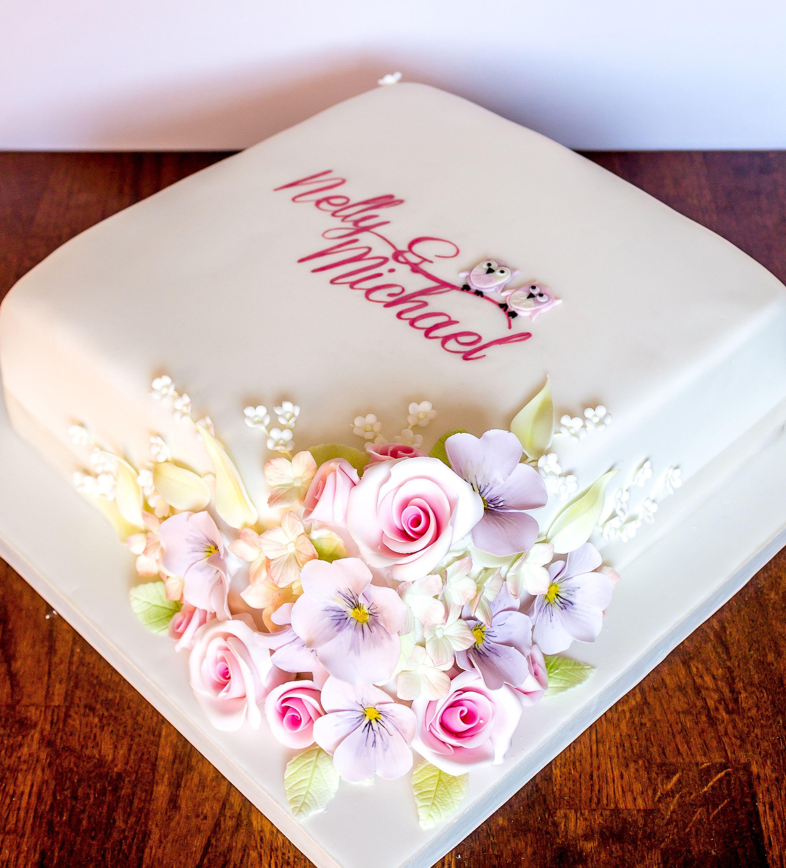 flowery_wedding_cake_one_tier_owl_painted_b.jpg Simple