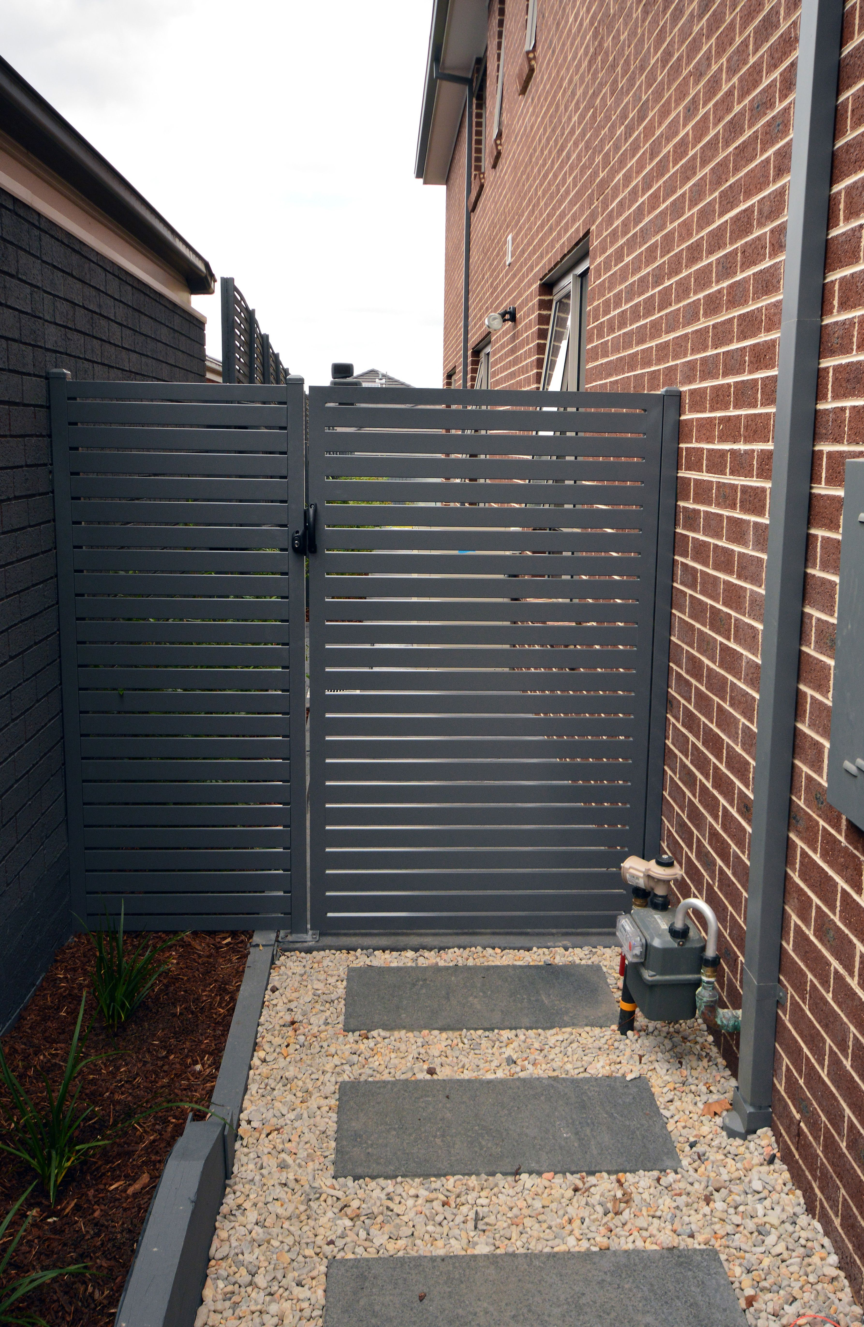 Side Aluminium Gate New Home Landscaping In 2019 Side