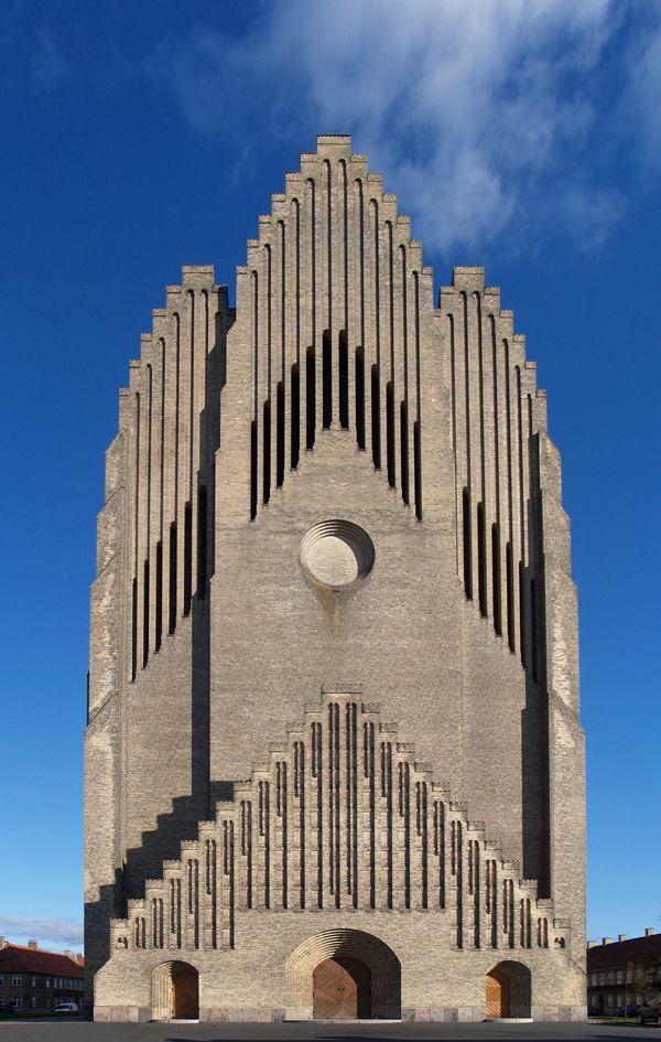 Grundtvig Church in Copenhagen, Denmark / Peder Vilhelm & Jensen-Klint. Looks like a pipe organ. I like it