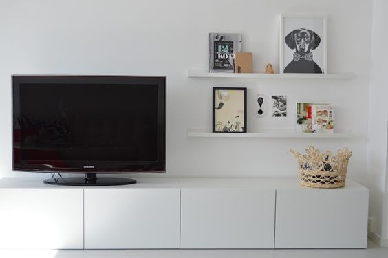 Mueble sal n besta blanco decoraci n 15 composiciones for Mueble ikea salon