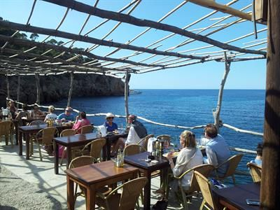 A day out in Deia is a great way to get a taste of Mallorca's cultural history, hit the beach AND have lunch.