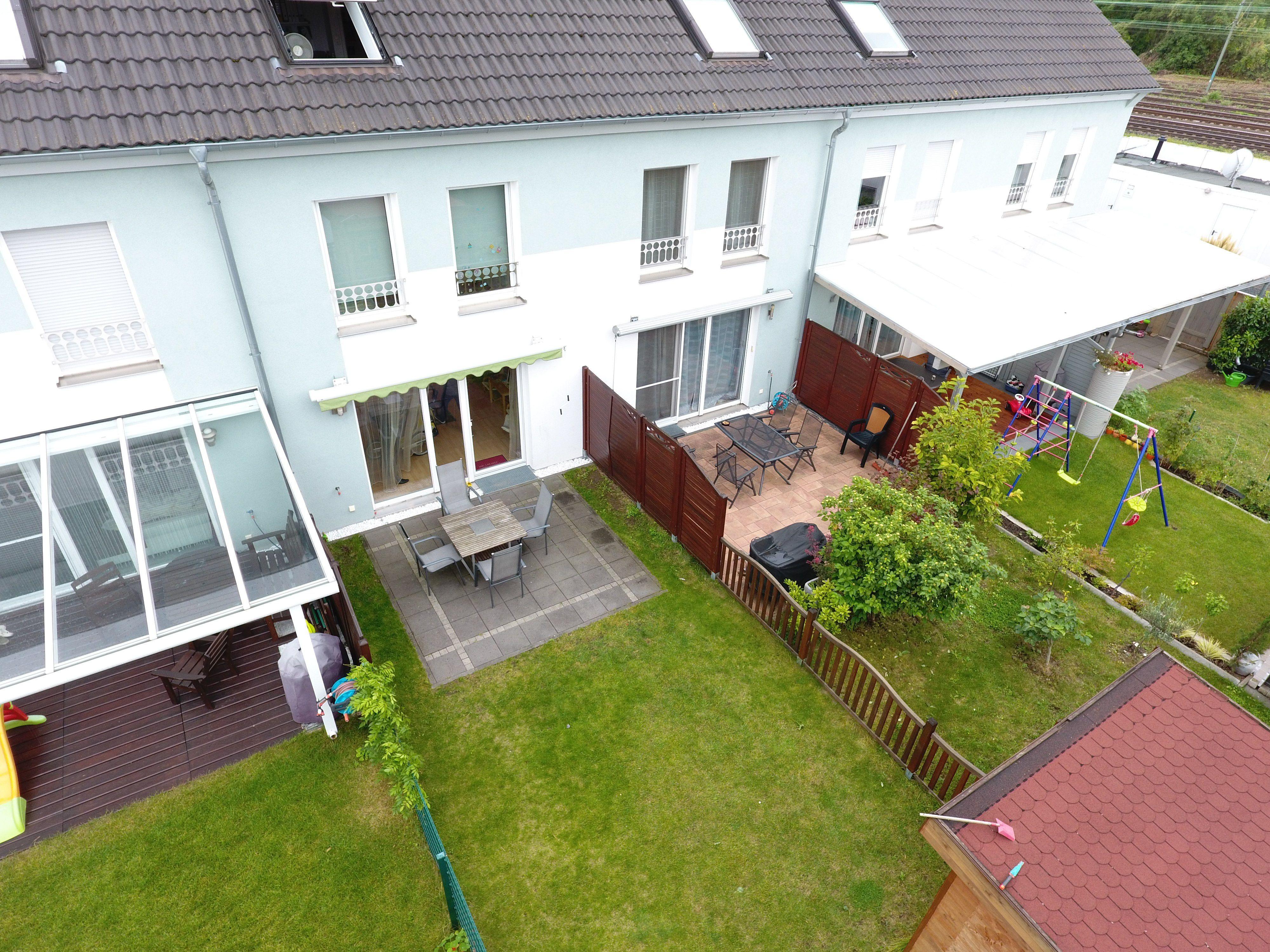 Garten Zu Kaufen Gesucht Alles Im Detail Von Reihenmittelhaus Mit 5 Zimmern Und Garten Zum Kauf In Mainz Kastel Innerhalb Garten Outdoor Decor Home Decor Decor