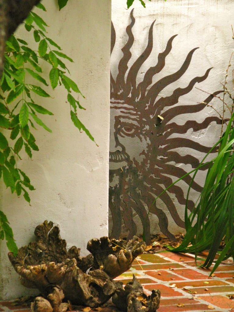 Paint a mural on a plain garden wall to create a Roman style garden ...