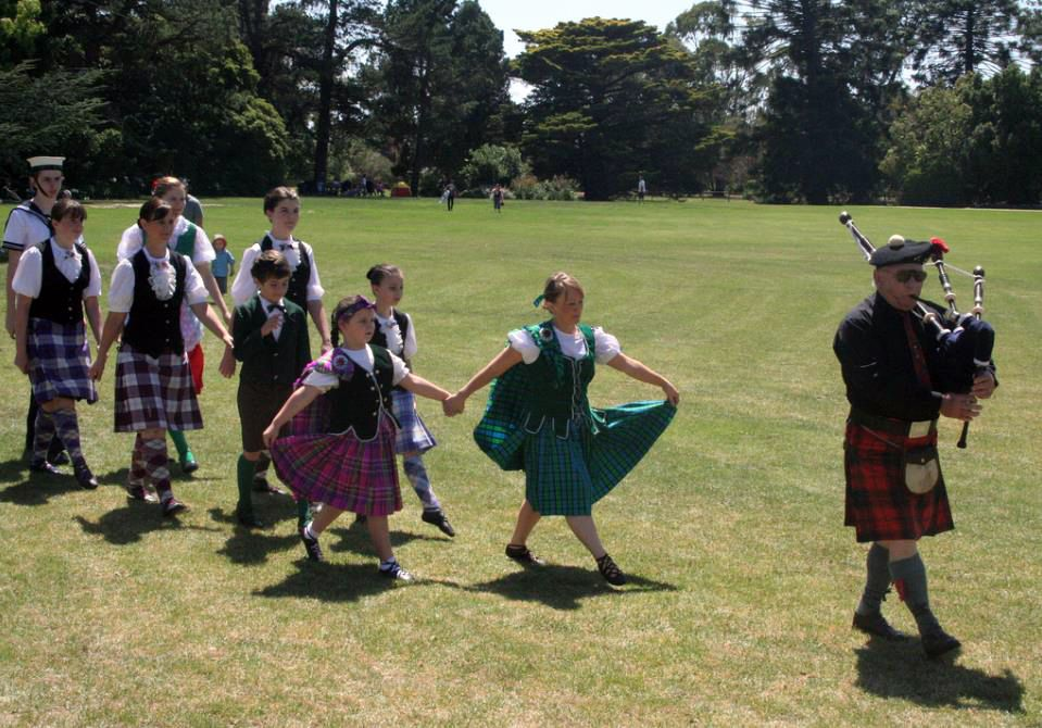 According a lot of pipers, few dancers can master the march-on and march-off successfully. They don't have years of training in a pipe band behind them to be able to get the correct foot!