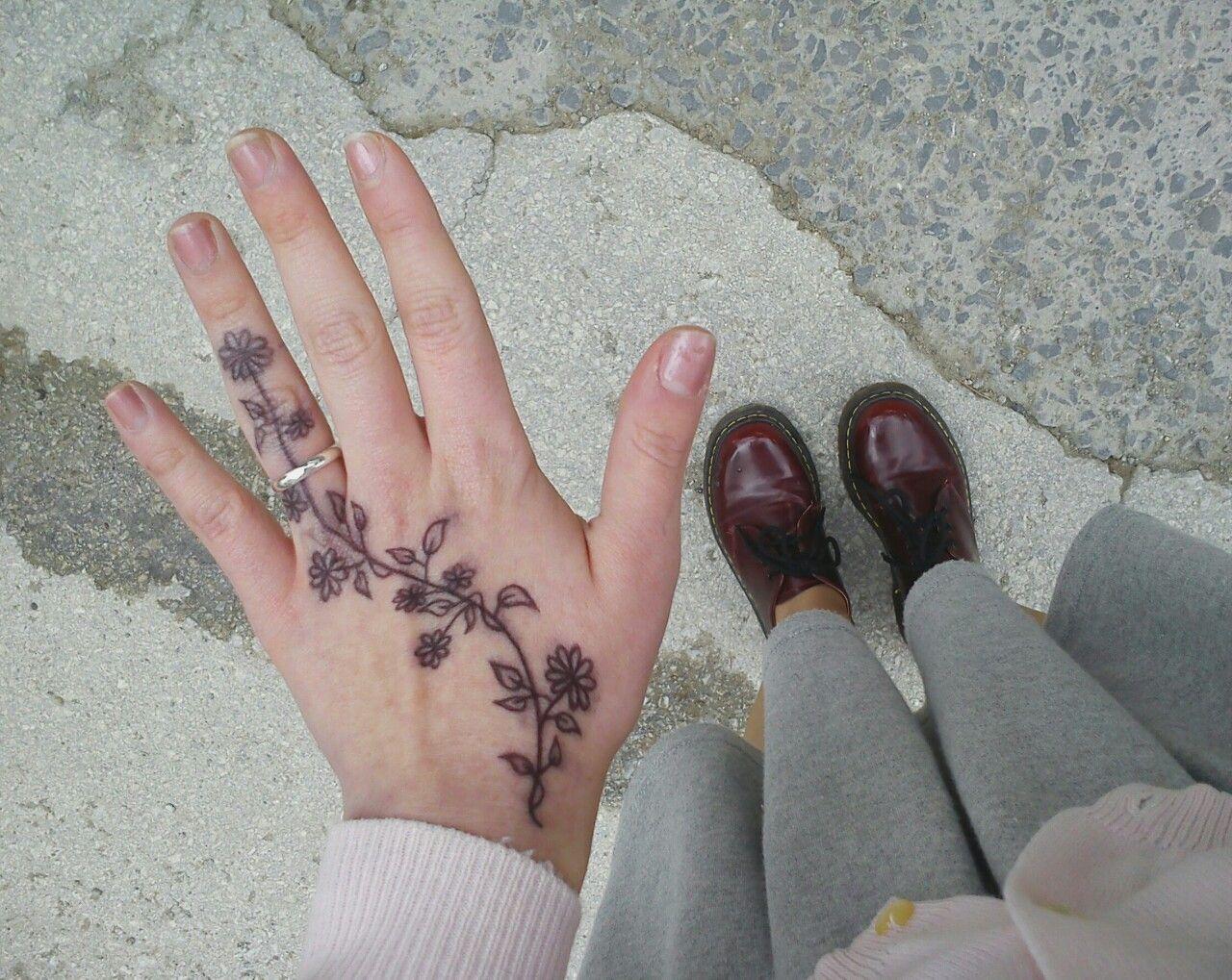Small Aesthetic Tattoos Pinterest