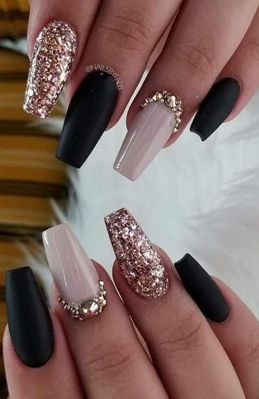 Pin By Kerionarose On Nail Inspiration In 2020 Rose Gold Nails