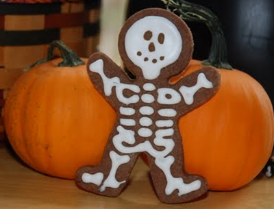 Skeleton cookies -- what the gingerbread man dresses up as for Halloween.