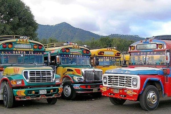 Arrestan en Guatemala coyote con 34 inmigrantes cubanos