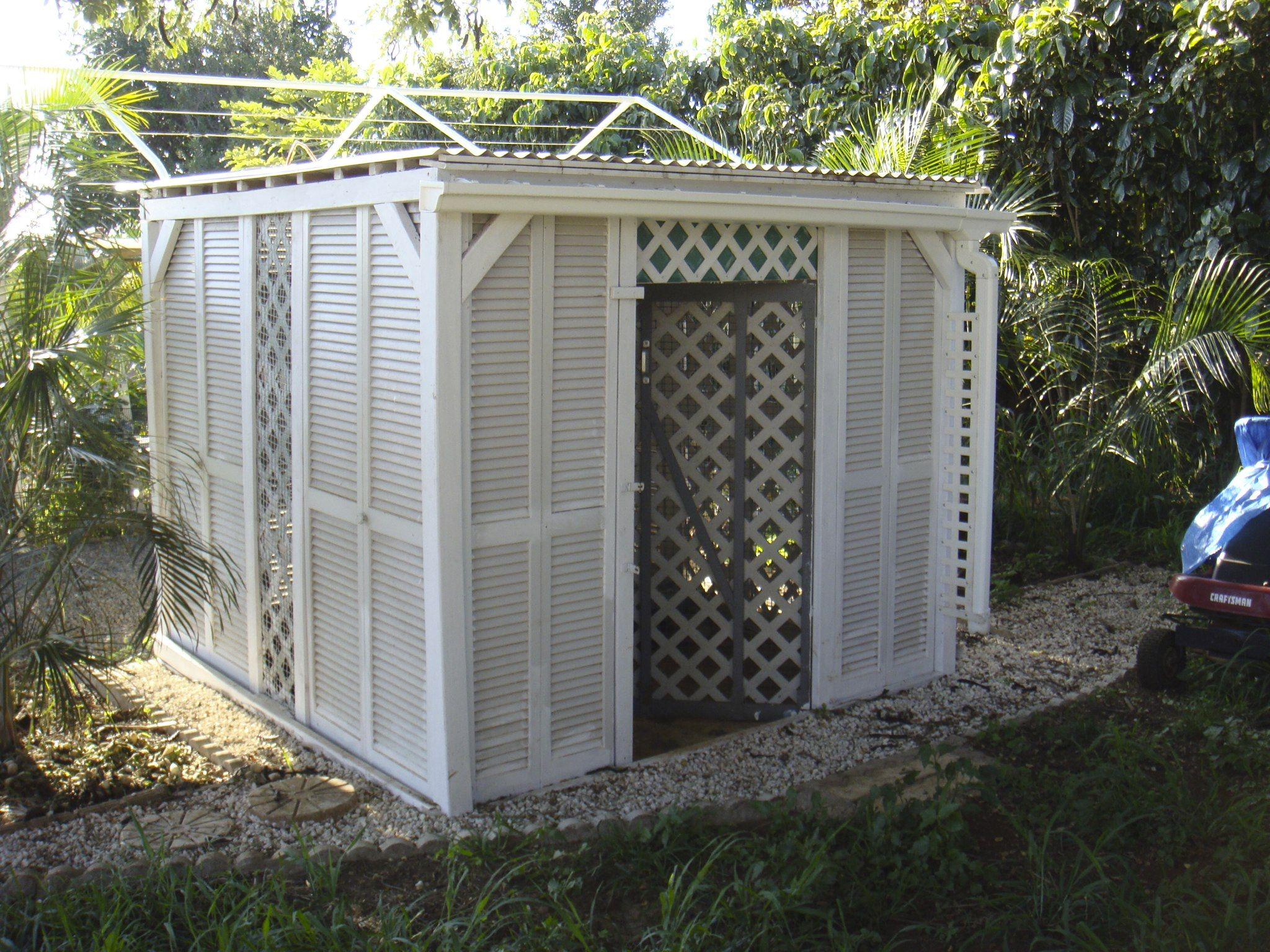 building made from bifold closet doors.  Habitat Restore here I come!