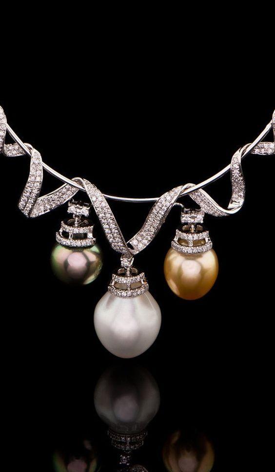 Triolet Pearl Necklace PN-401