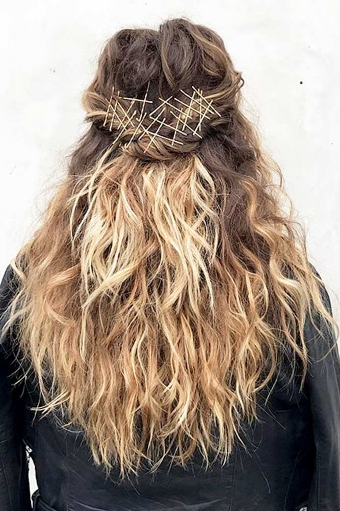 18 Cute Bobby Pin Hairstyles That Are Easy To Do Bobby Pin Hairstyles Hair Styles Hair Scarf Styles