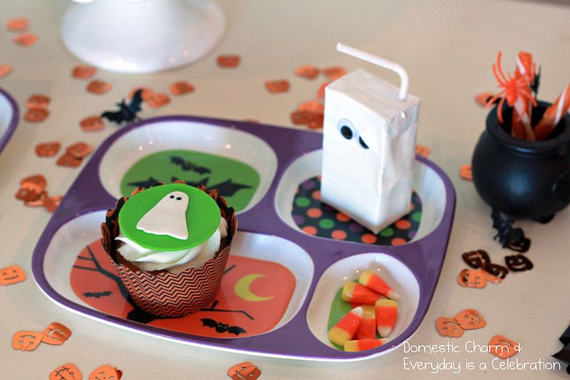 Totally gonna do the juice box like this for X and C on Halloween - kids halloween party ideas
