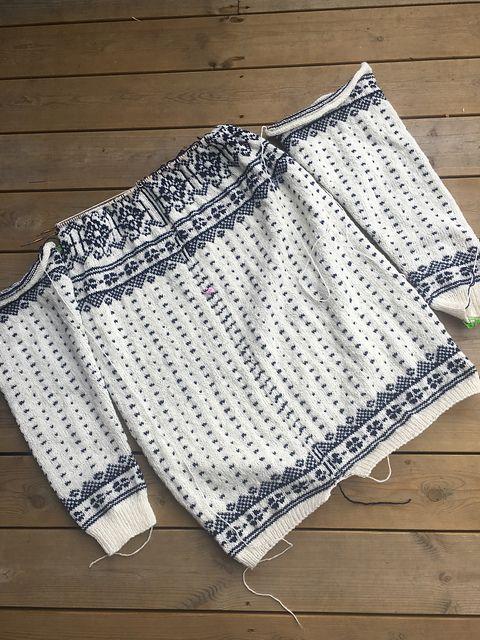 Ravelry: pillen's Sagavoll   2 Stranded & Fair Isle knitting ...