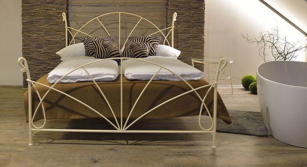 """Bett """"Acara"""" Eisenbett, Schlafzimmer einrichten"""