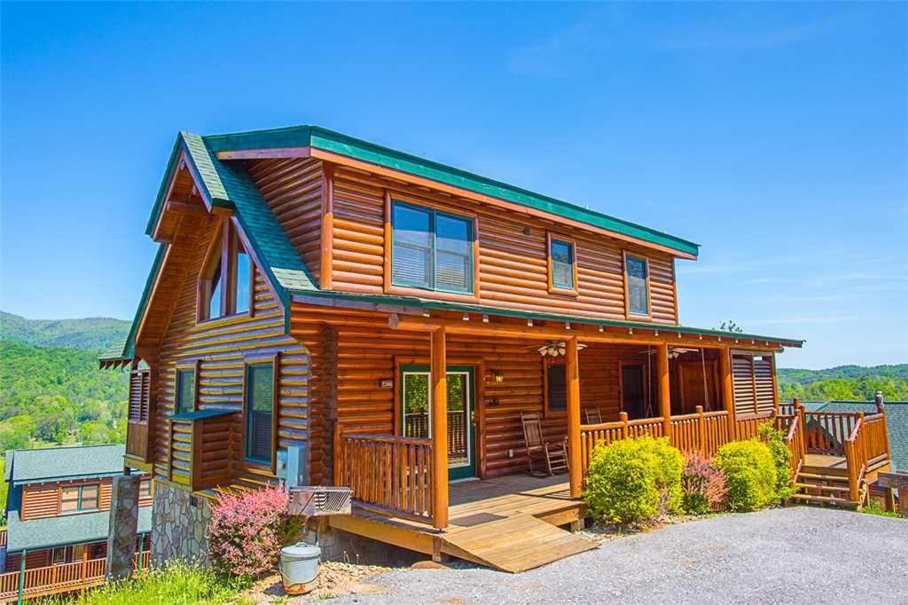 misty mountain hideaway cabin in pigeon forge w 3 br sleeps11 rh pinterest com