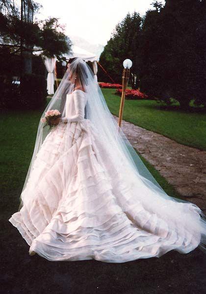 las novias de lorenzo caprile | casilda se casa | novias | pinterest